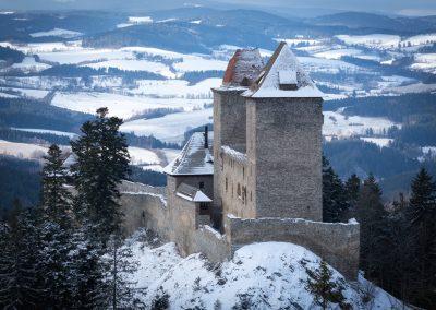 hrad Kašperk v zimě