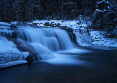 mrazivý vodopád