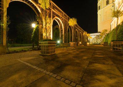 večer v zámecké zahradě II.