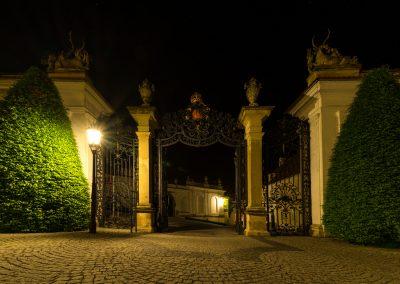 večer v zámecké zahradě I.